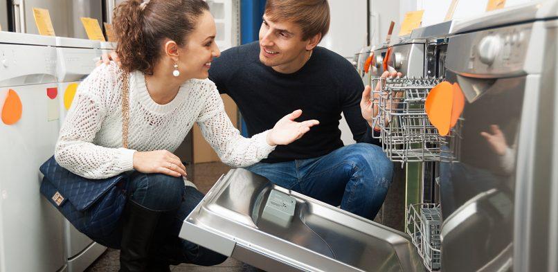 Ile prądu pobiera zmywarka? Oszczędne zmywanie